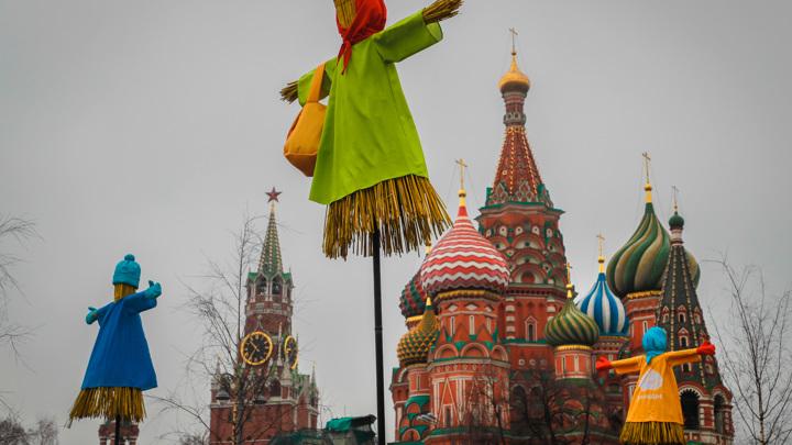 Более половины россиян отмечают Масленицу