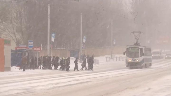 """""""На улице небезопасно"""". В Смоленске резко ухудшилась погода"""