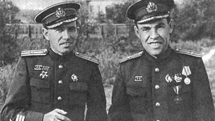 """1943 год... В.К.Коновалов и И.В.Травкин, командир ПЛ """"К-52"""""""