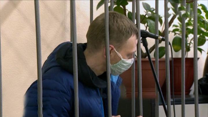 Суд заключил под стражу двоих грабителей офисов микрозаймов