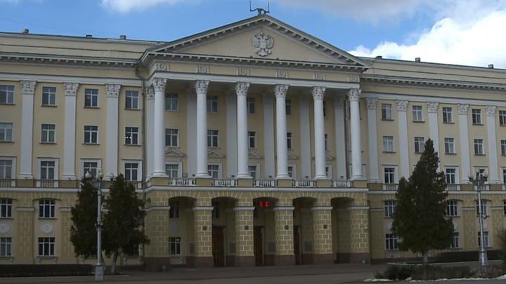 Смоленским пенсионерам продлили больничные до конца марта
