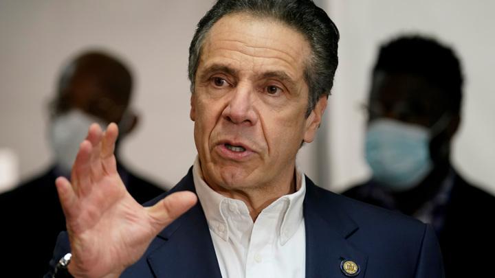 После секс-скандала губернатор Нью-Йорка уходит в отставку