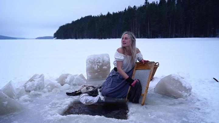 Шведская блогерша сняла шуточный ролик о суровых буднях северной прачки