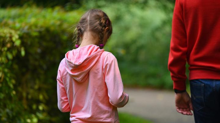 """Запреты и наказания в раннем возрасте приводят к изменениям в мозге детей, даже если те не встречались с """"настоящим"""" насилием."""
