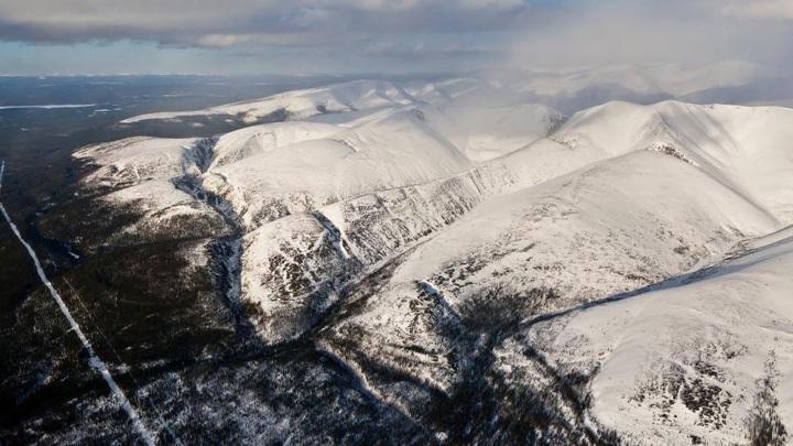 Аварийно-спасательные отряды прокладывают лыжную трассу для эвакуации тургруппы