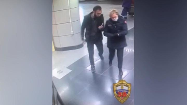 Безбилетник напал на сотрудницу службы безопасности московской подземки