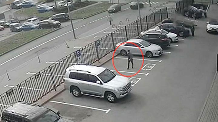 Угонял за 60 секунд: в Петербурге ждет приговор серийный автоугонщик
