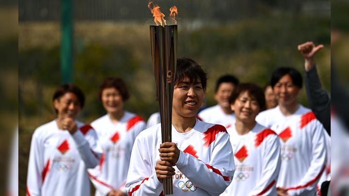 Эстафета олимпийского огня в Осаке проходит без зрителей