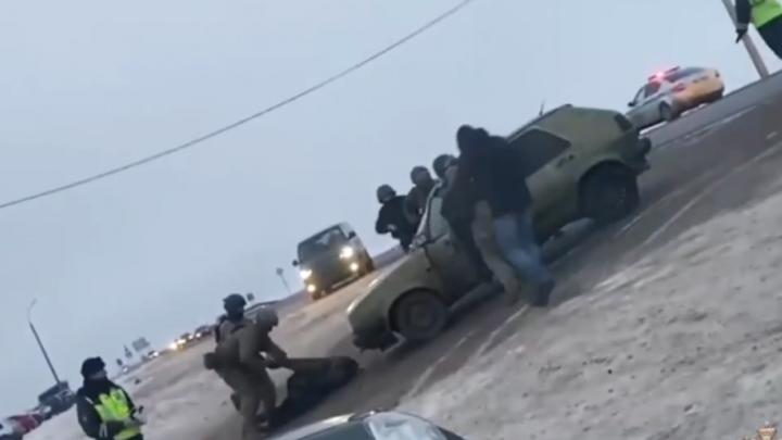 Нижегородский блокбастер: преступная группировка на ходу воровала из грузовиков