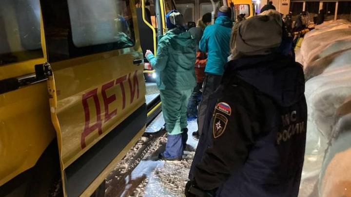 Попавшие под снежный завал в Хибинах дети поедут домой на выходных