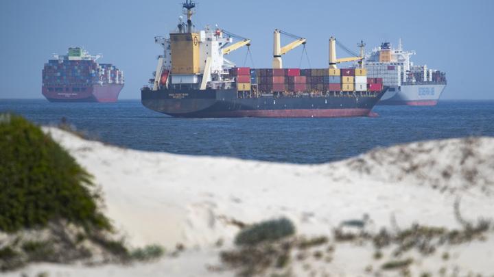 Владельцы контейнеровоза Ever Given заплатят около миллиарда долларов штрафа