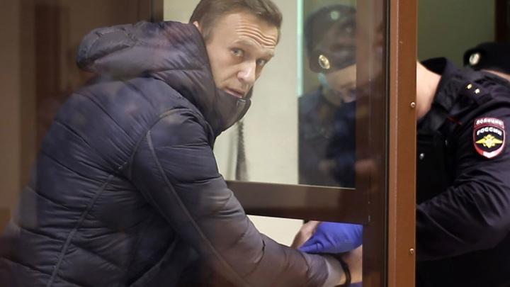 Навальный отказался от лечения