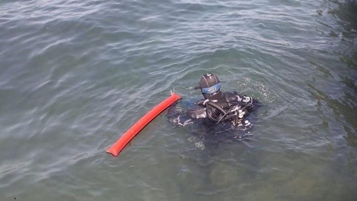 Водолазы обнаружили гранату у памятника Затопленным кораблям в Севастополе