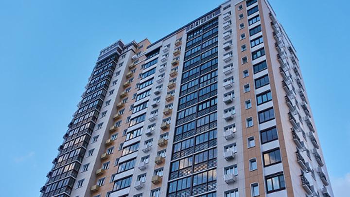 В Саратове с 14 этажа упала 10-летняя девочка