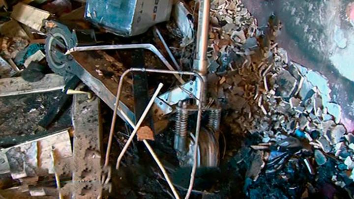 Квартира сгорела, хозяева в больнице: всему виной заряжающийся электросамокат