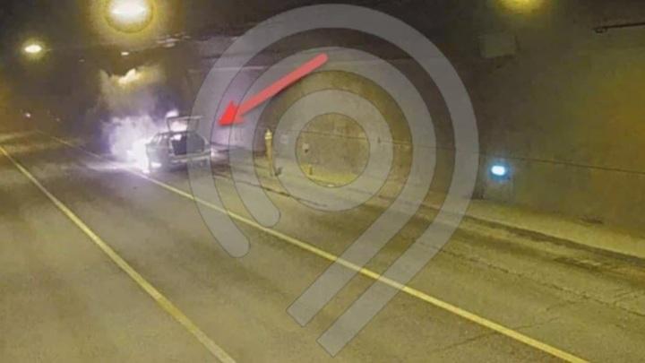 В Москве тоннель ТТК перекрыт из-за горящего автомобиля