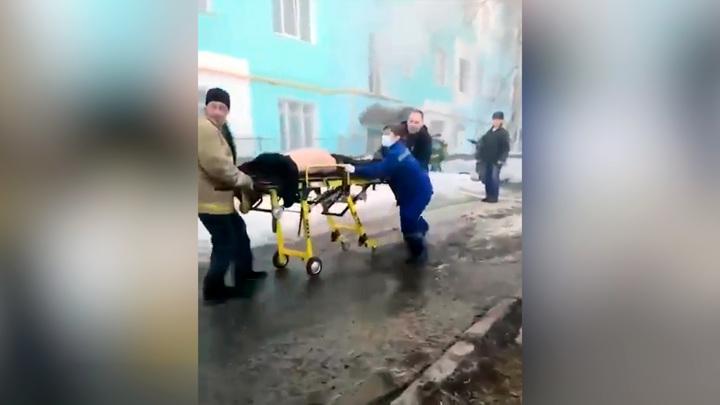 Из горящего дома в Белорецке эвакуировано 26 жильцов, один человек погиб