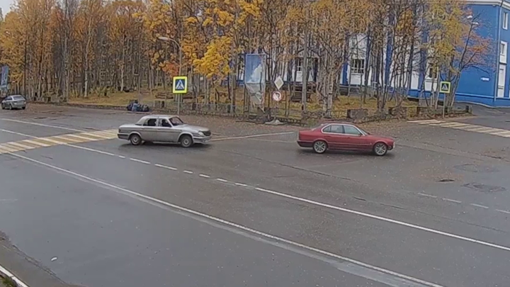"""Житель Оленегорска сядет в тюрьму за кражу """"брошенного"""" автомобиля"""