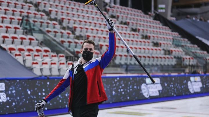 Керлингисты России вышли в полуфинал чемпионата мира, обыграв Данию