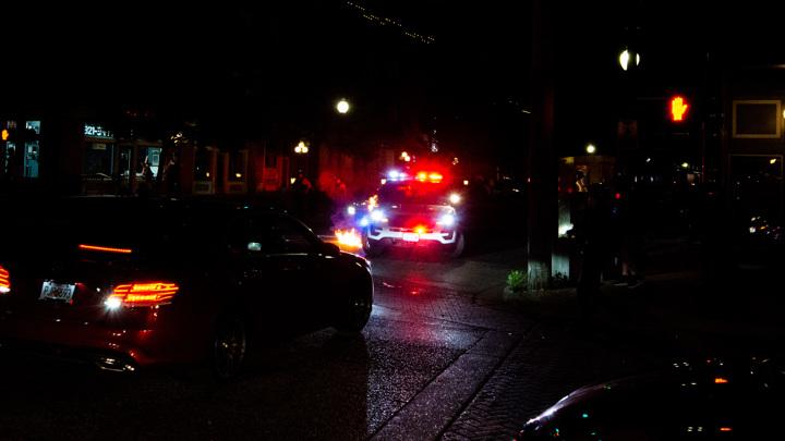 В США мужчина расстрелял из пистолета посетителей магазина