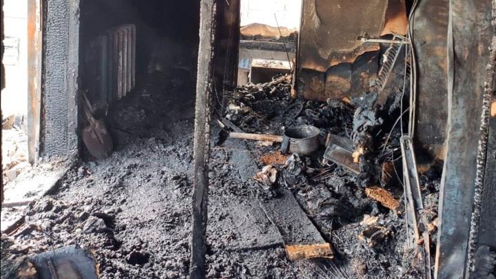 Житель Уссурийска пожарил шашлыки и спалил соседский дом