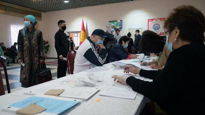 В Киргизии завершились выборы и референдум