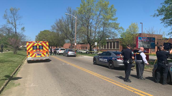 В штате Теннесси произошла стрельба в школе, есть раненые