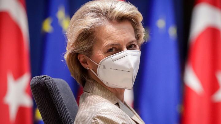 Евросоюз решил вакцинировать детей и подростков от коронавируса