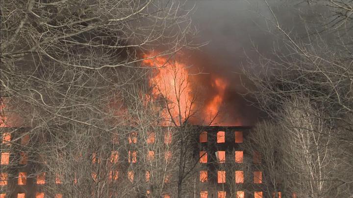 Сгорело здание Невской мануфактуры в Санкт-Петербурге