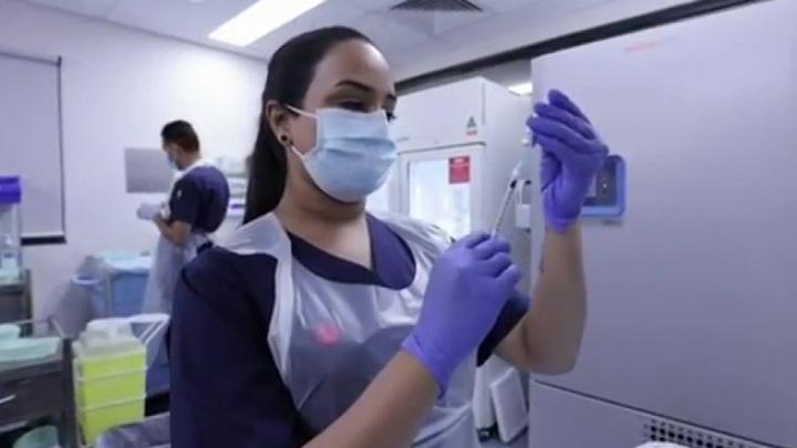 Johnson & Johnson откладывает применение своей вакцины в Европе