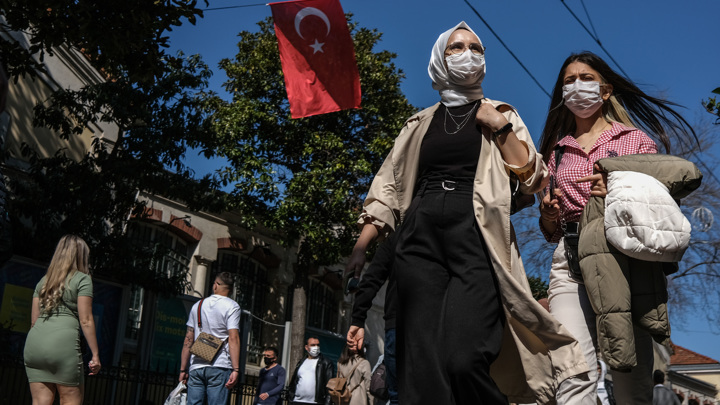 Турция ввела трехдневный локдаун