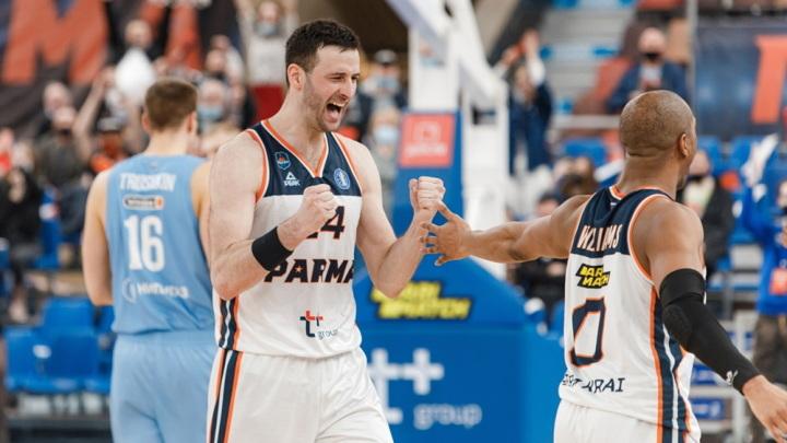 """Баскетболисты """"Пармы"""" прервали победную серию """"Зенита"""" в Единой лиге"""