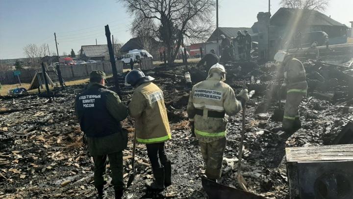 Глава СК поставил на контроль дело о гибели пятерых детей при пожаре на Урале