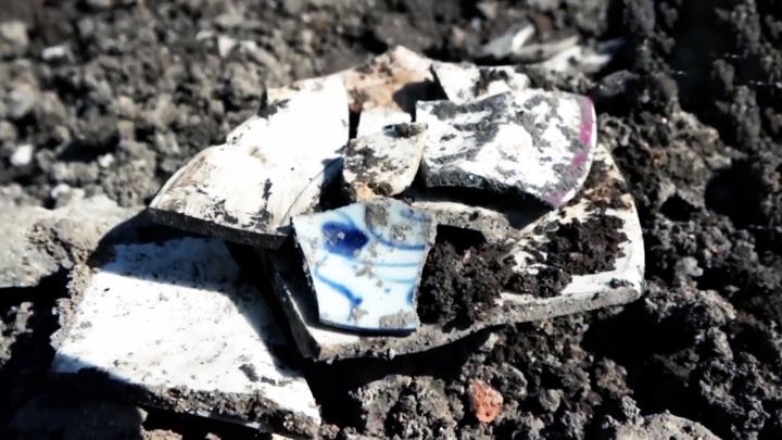 В центре Владивостока нашли фрагменты китайского фарфора династии Цин
