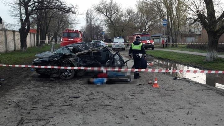 Машина с подростками попала в ДТП, погибли пять человек