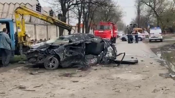 Пять подростков на иномарке разбились в аварии в Новочеркасске