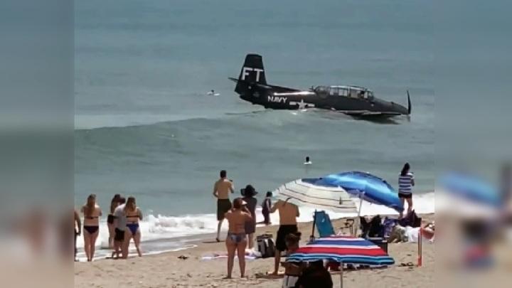 Раритетный торпедоносец аварийно сел на воду. Видео