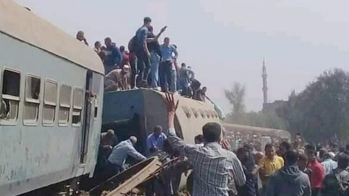 Более ста человек пострадали в результате крушения поезда в Египте