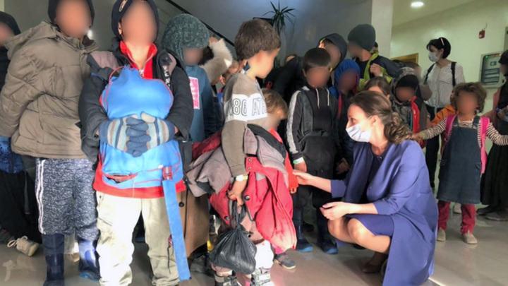 Из Сирии вернулись 44 российских ребенка