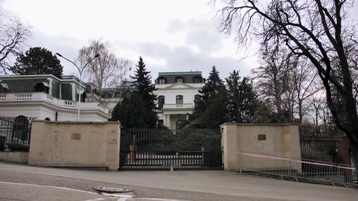 Чехия захотела забрать землю под посольством РФ и получить компенсацию за взрывы