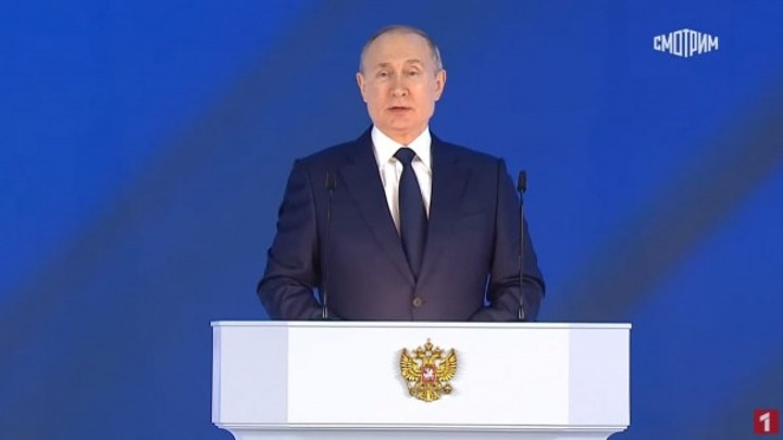 Путин призвал глав регионов следить за прививочной кампанией