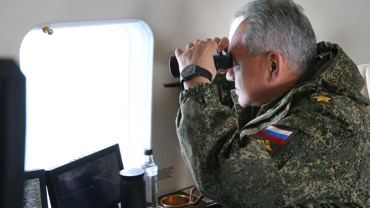 Шойгу: войска НАТО активизировались у границ России