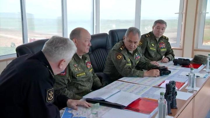 Шойгу объявил о возвращении войск с учений на юге и западе России