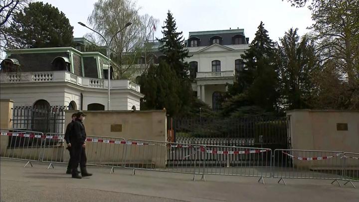 Высылка дипломатов: Чехия встала на путь разрушения отношений с Россией