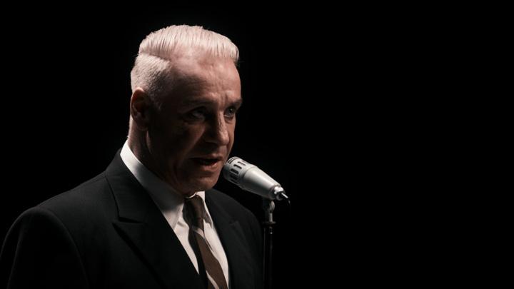"""К драме """"Девятаев"""" вышел клип на песню """"Любимый город"""" в исполнении лидера Rammstein"""