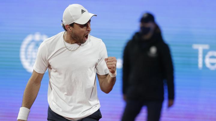 Карацев победил Медведева на турнире в Риме
