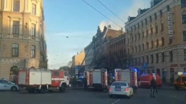 Восемь человек заживо сгорели в рижском хостеле