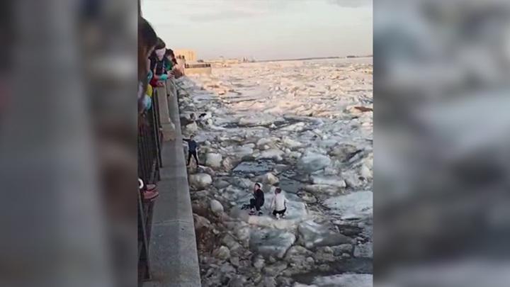 В Благовещенске школьник провалился под лед Амура