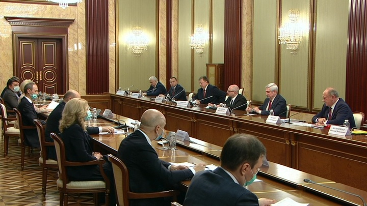 Мишустин: борьба с COVID-19 сплотила правительство и все фракции Госдумы