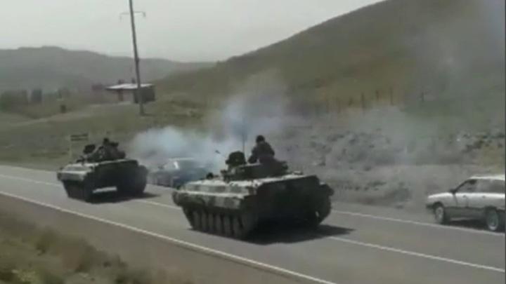 Неразорвавшаяся ракета застряла в жилом доме в Киргизии